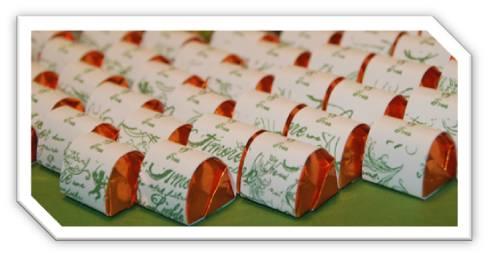 Ferrero Küßchen mit Banderole in Flüsterweiß und Gartengrün, Stempelset: Fröhliche Feiertage