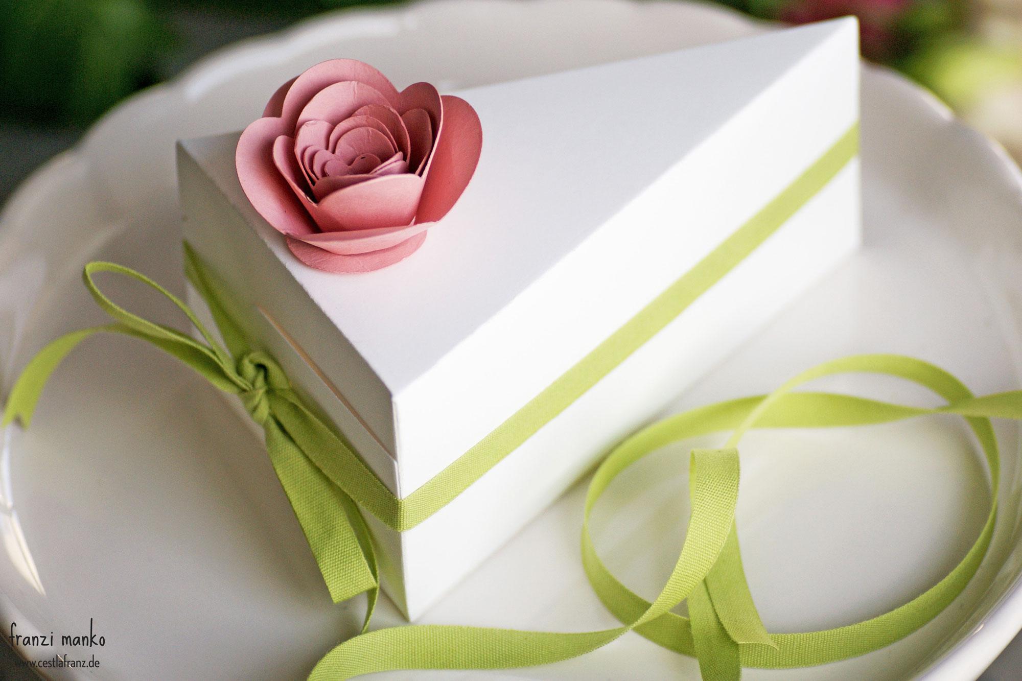 Hochzeitspapeterie Gastgeschenk Rose Torte